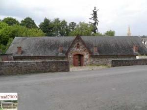 49-Le bourg d'Iré - D181 (exterieur)